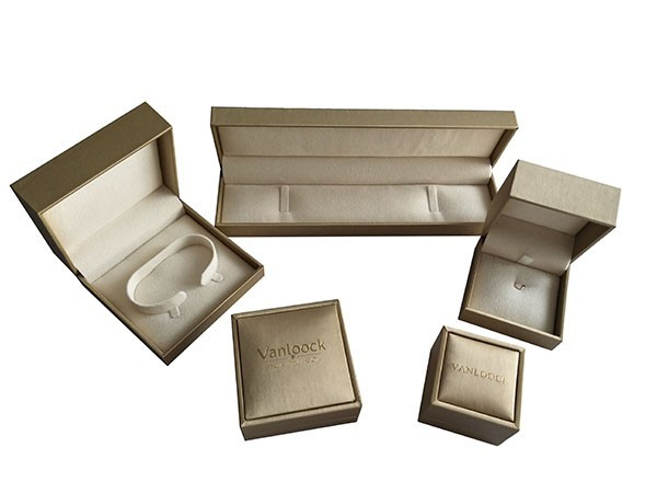 Shiny and Luxury Jewelry Boxes