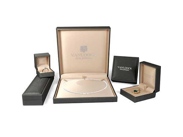 Luxury Jewelry Boxes with Shinny Leather Covering